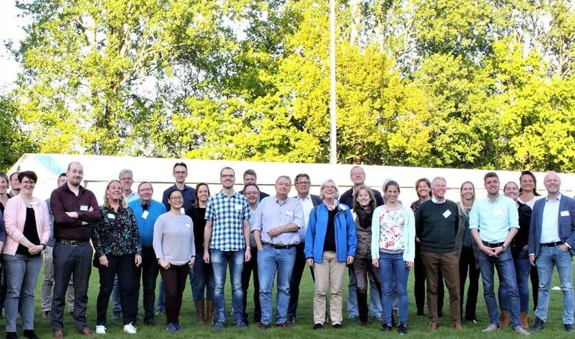 De deelnemers aan het Sportnetwerkcafé op Sportpark De Star bij de Voorburgse Rugbyclub (foto: pr SenW).