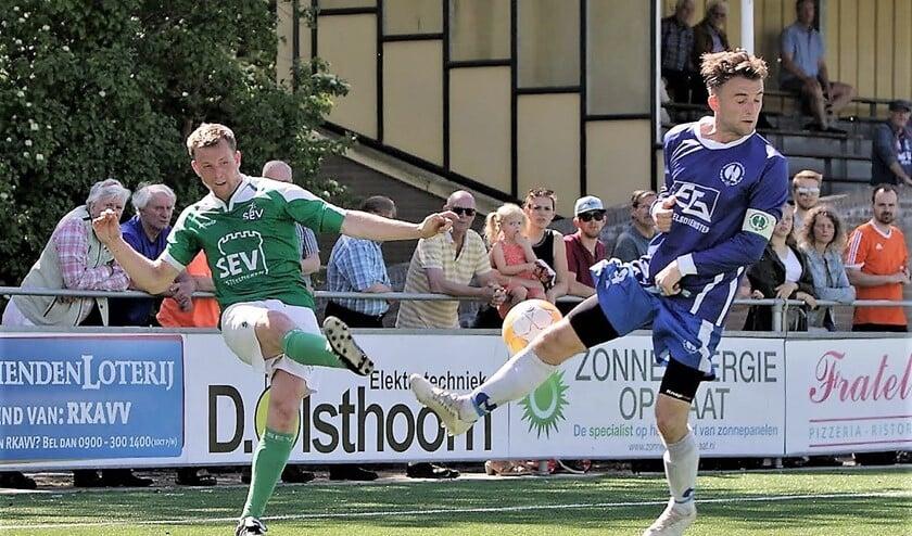 Roland Groeneweg (SEV) viel prima in en zorgde persoonlijk voor 2-2 (foto: Rik Driessen).