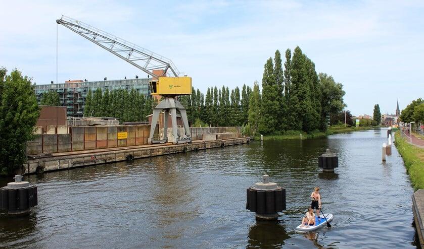 Begin 2018 zijn de silo's en het stalen gedeelte van de Mebin betoncentrale al ontmanteld (foto: DJ).