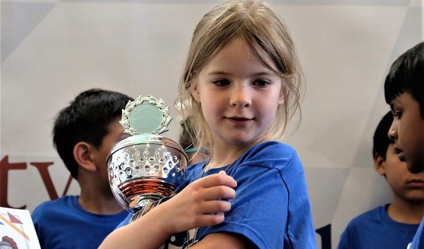 Sarah Barbier werd Nederlands kampioene schaken in haar leeftijdscategorie t/m 7 jaar (foto: Debora van Es).
