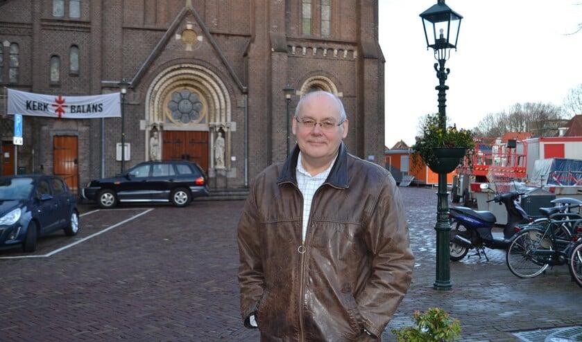 D66-raadslid Peter van Dolen vraagt om informatie over de invloed van de aangescherpte stikstofregeling op bouwplannen in de gemeente (Foto: Inge Koot).