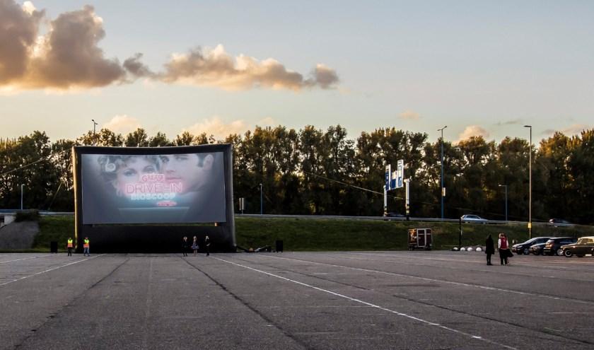 De Drive-in Bioscoop Zoetermeer staat op vrijdag 13 en zaterdag 14 september op het evenemententerrein van SilverDome. Foto: pr