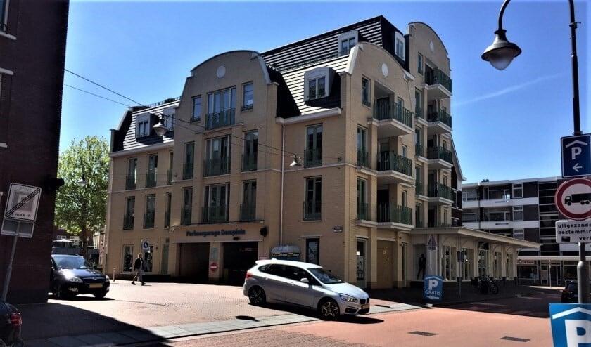 Sinds de invoering van de blauwe zone is er voldoende plek in de parkeergarage Damplein (foto: pr gemeente LDVB).
