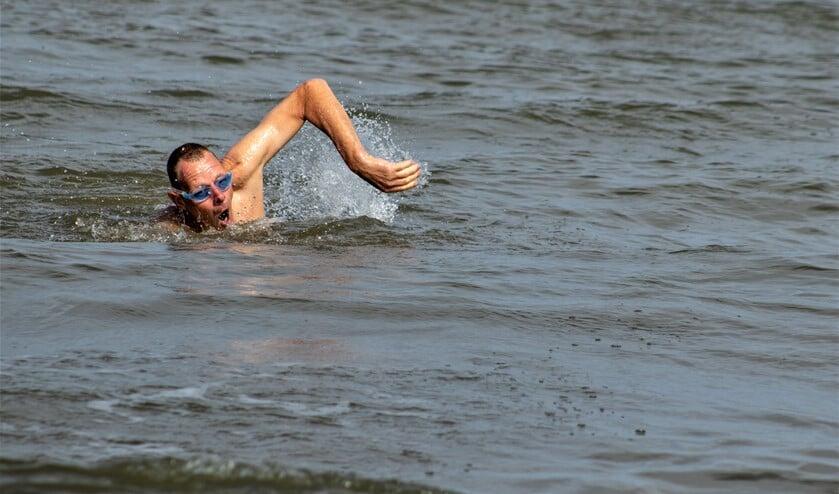 Corne Kempen uit Voorburg doet zaterdag 14 september mee aan Swim to fight cancer Den Haag (foto pr).