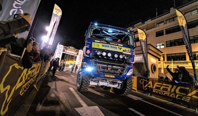 De rallytruck van Van Velsen Rallysport aan de (show)start van de Africa Eco Race in Monaco (foto: Tim Buitenhuis).