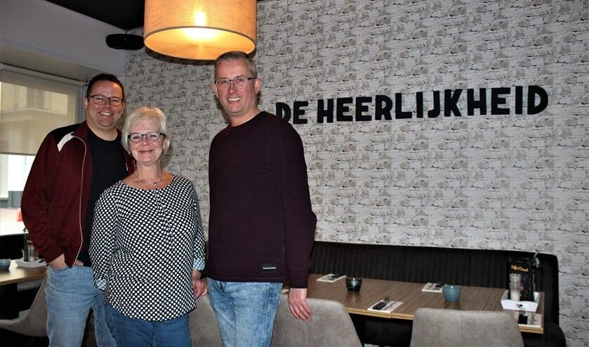 Oscar van Schijndel, Ingrid Blom en Alfred van Kesteren in De Heerlijkheid aan het Damplein in Leidschendam (foto/tekst: Dick Janssen).