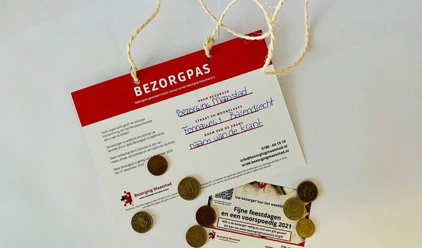 <p>De pas waarover de bezorger dient te beschikken en het kaartje dat u (in de bus) ontvangt om de gift via internet over te maken.</p>