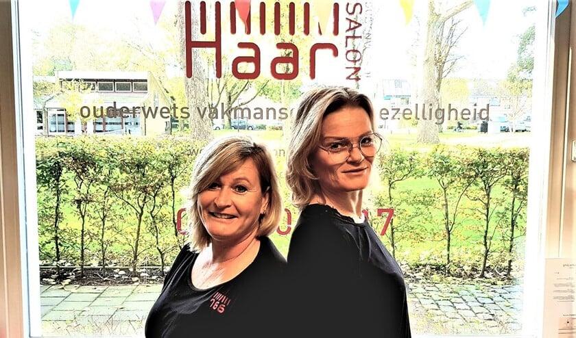 <p>De twee enthousiaste en ervaren ondernemers Sandra en Angelique vertellen enthousiast over hun kapsalon. </p>