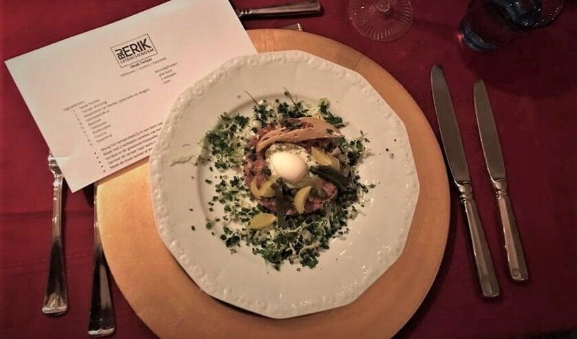 <p>De Lions kozen ervoor om het diner te laten verzorgen door plaatselijke horecaondernemers, zoals &#39;Bij Erik&#39; in Leidschendam. </p>