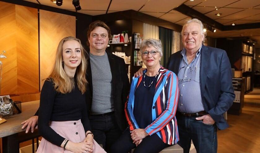 De familie Magedelijns in de zaak aan de Aert van der Goesstraat in Den Haag (tekst: Caroline van den Ende / foto: Dick Teske).