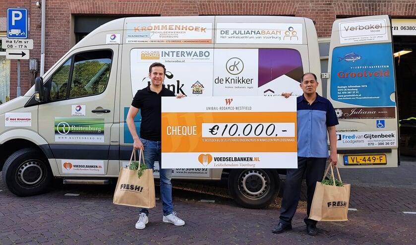 Dankzij een gift van €10.000 aan levensmiddelen van Unibail-Rodamco-Westfield bevatte het pakket diverse luxe producten (foto: pr).