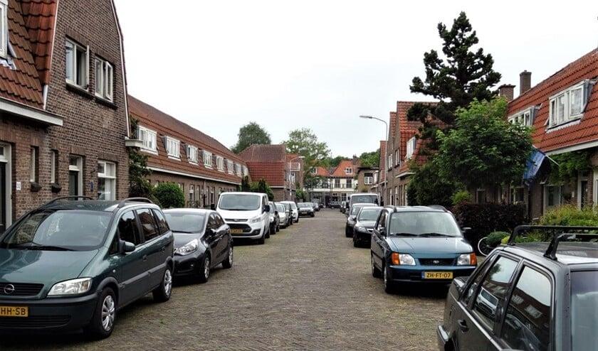 Een aantal bewoners van het Oranjekwartier is bang voor de sloop van hun woningen (foto: Ap de Heus).