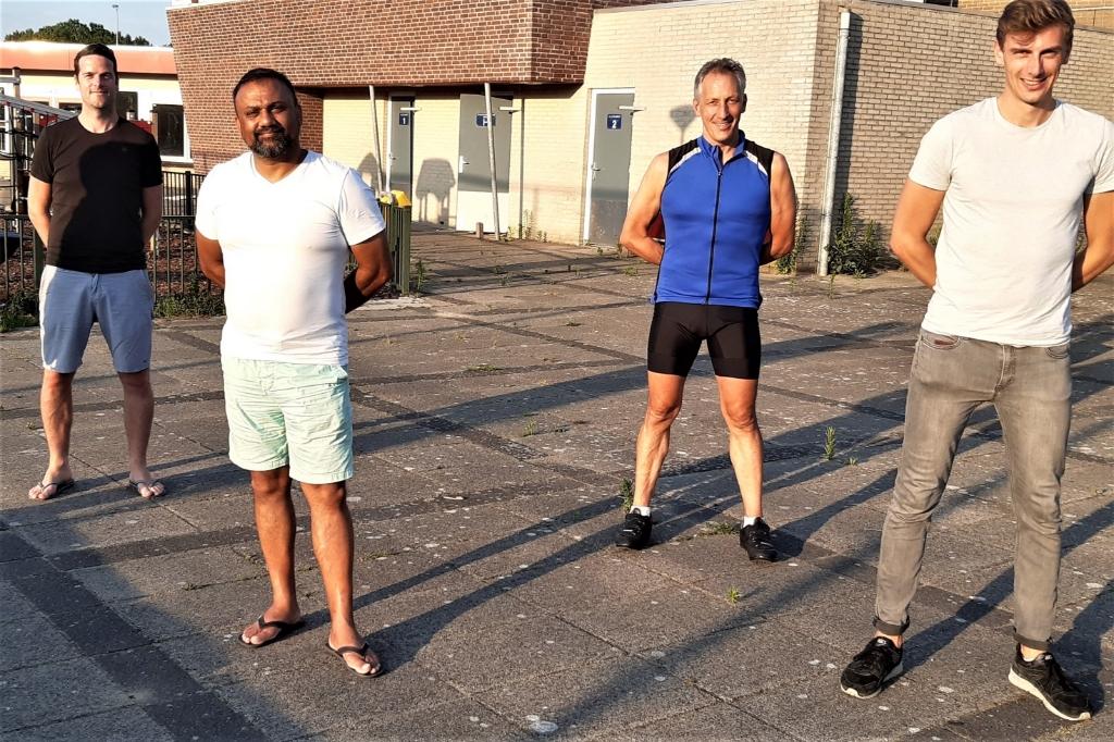 Soechit wordt volgend seizoen geassisteerd door Ben de Haan en keeperstrainer Björn Henrichs. Peter Raaijmakers gaat het tweede elftal trainen.   © Het Krantje