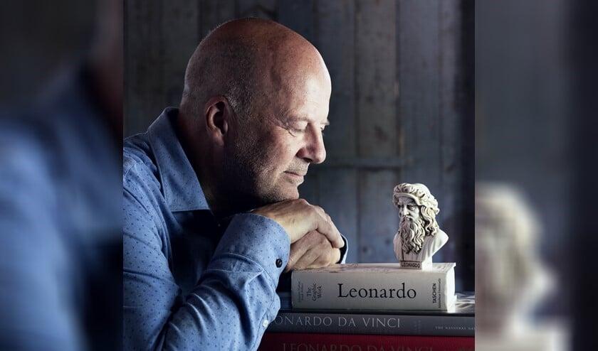 <p>Diederik van Vleuten verzorgt in &#39;De aanbidding der Wijzen&#39; een theaterportret van Leonardo?Da?Vinci?(foto: Johan Witteman Driehuizen).</p>