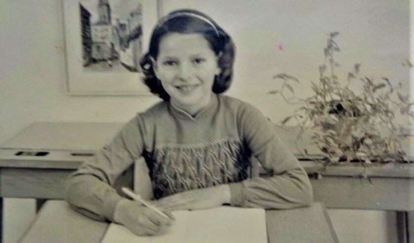 <p>Schoolfoto Elly Smeenk.</p>