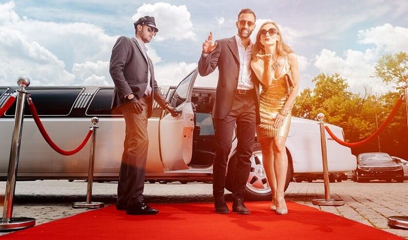 <p>Je wordt (per limousine) naar het theater gebracht waar je kunt genieten van de voorstelling (foto: pr).</p>
