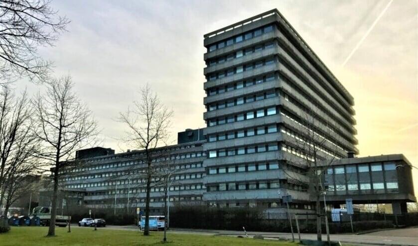 <p>Het voormalige Total-gebouw aan het Oosteinde in Voorburg dat deel uitmaakt van Klein Plaspoelpolder wordt gesloopt (foto: gemeente LV).</p>