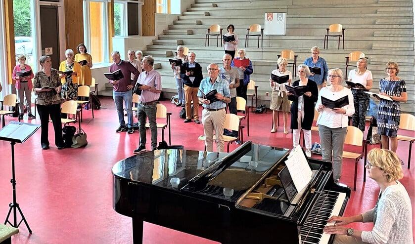 <p>Afgelopen zaterdag vond de eerste live repetitie van de Voorburgse Oratorium Vereniging (VOV) plaats sinds september vorig jaar (foto: pr).</p>