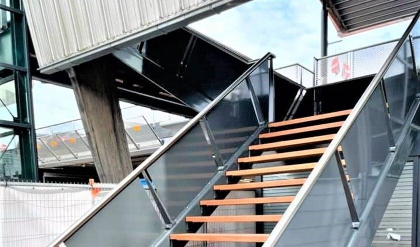 <p>De trap in de Westfield Mall ter hoogte van Albert Heyn en restaurant Volle Maan (foto: FB Ren&eacute; Bogaart).</p>