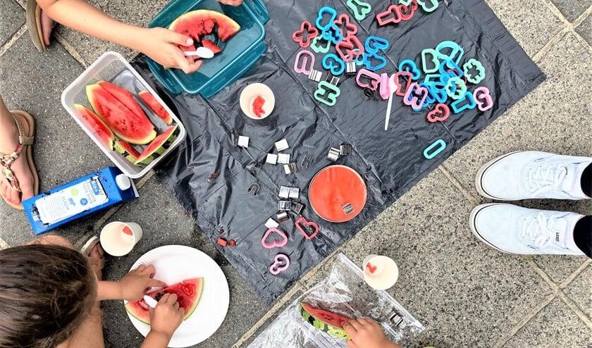 In het tuin-lab kunnen kinderen tussen de 4 en 12 jaar aan de slag met allerlei bijzondere activiteiten (foto: Bibliotheek aan de Vliet).