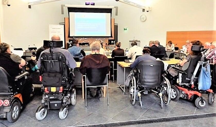 <p>Tijdens een bijeenkomst besprak het Platform Gehandicapten of iedereen echt wel overal kan meedoen (archieffoto).</p>