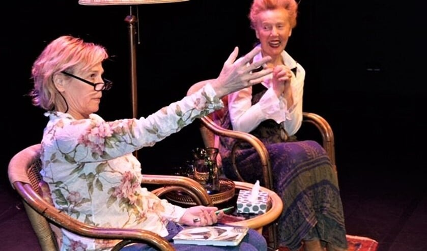 <p>Oud Goede Tijden Slechte Tijden actrice Jhanna Houweling speelt met collega-actrice Wivinneke van Groningen de heerlijke comedy &lsquo;Glad IJS&rsquo; (foto: pr). &nbsp;</p>
