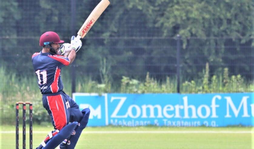 Mohit Hingorani batte geduldig door de innings en hielp daarmee VCC aan de overwinning (archiefbeeld Catch of the Day).