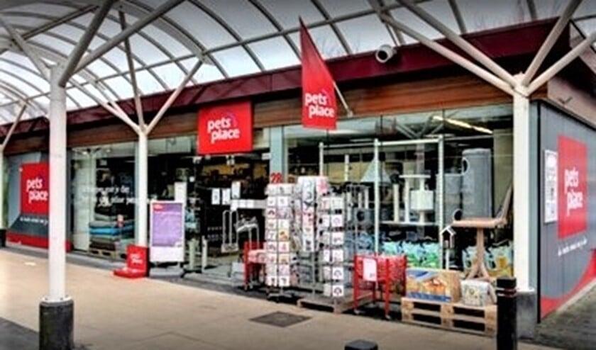 <p>De winkel in winkelcentrum Julianabaan in Voorburg (foto: Pets Place).</p>
