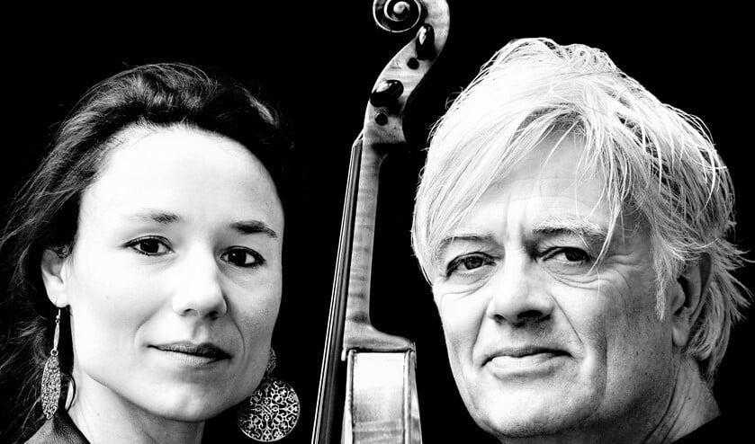 <p>Robert Jan Stips & Marieke Brokamp trekken met een verrassend piano-viool-programma door het land (foto: Jan-Willem Bullee).</p>