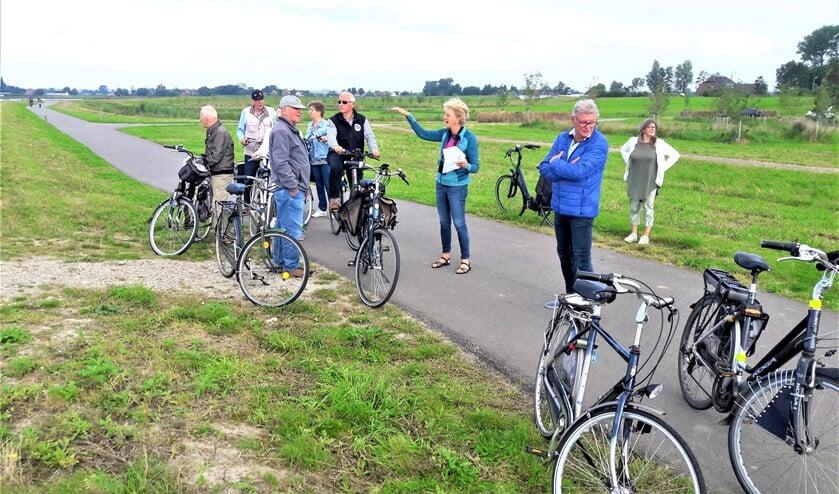 <p>Op de fiets in natuurgebied de Nieuwe Driemanspolder, die tevens dient als waterberging bij extreme regenval (foto: pr).</p>