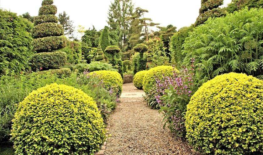 <p>Een mooie Engelse heestertuin (foto: Jan Blokland).&nbsp;</p>