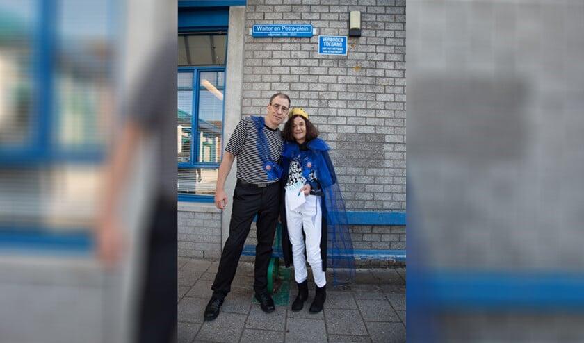 <p>Petra Vos en Walter Faber blijven - doordat een van de schoolpleinen naar hen is vernoemd - altijd verbonden aan de Samenwerkingsschool Emma&uuml;s (foto: pr).</p>
