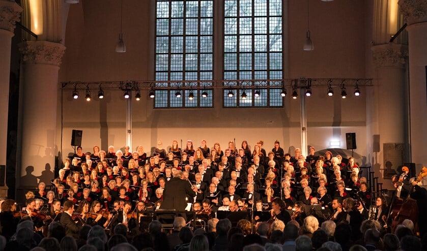 <p>Het laatste grote concert van Corda Cantate in De Grote Kerk, Den Haag in november 2019 (foto: Stichting Corda Vocale).</p>