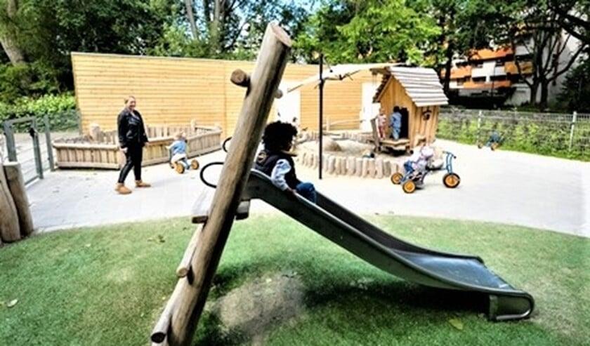 <p>Het buitenterrein van Kindcentrum De Trampoline (foto: pr Vlietkinderen).</p>