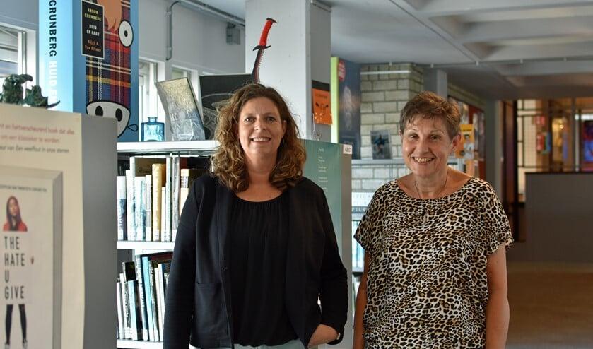 Twee juryleden van het Erasmus College verheugen zich al op het lezen van de spannende verhalen.
