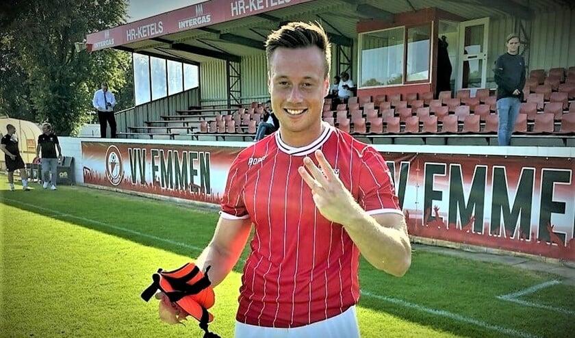 <p>Justin van Rijswijk speelde nog niet veel in het eerste van RKAVV maar heeft toch al 4 keer gescoord, waaronder de winnende in Emmen.</p>