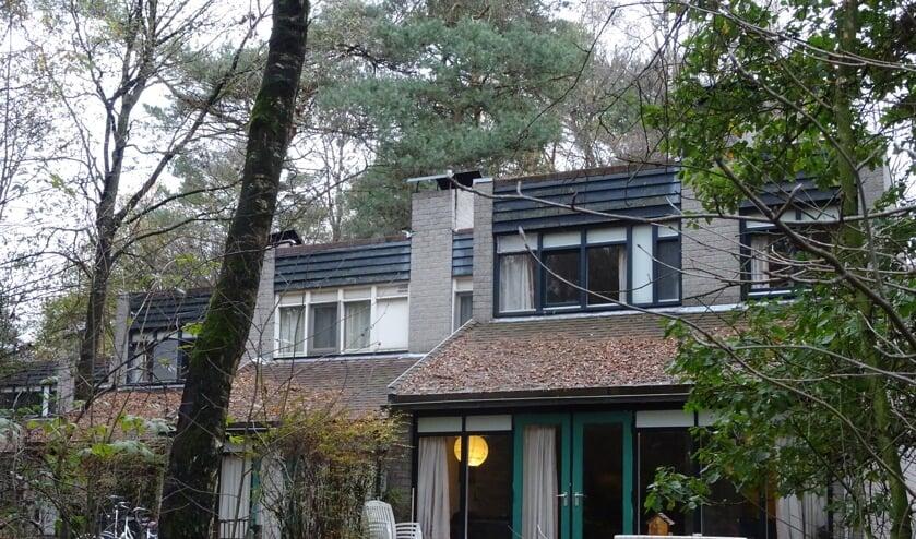 De meeste van de ruim tweehonderd vakantiehuisjes op het Roekenbosch worden over twee maanden bewoond door 750 asielzoekers.