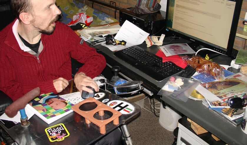 Henk Classens presenteert een boek over zijn leven.