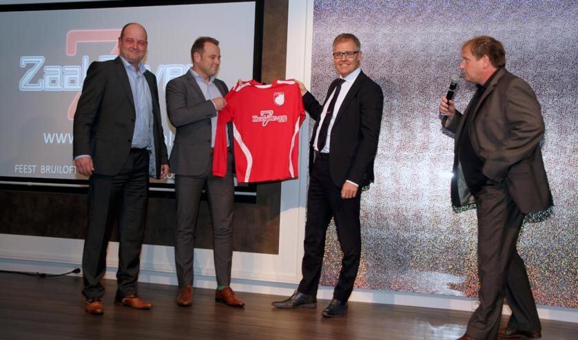 De presentatie van het nieuwe shirt. Foto: Rikus ten Brücke.