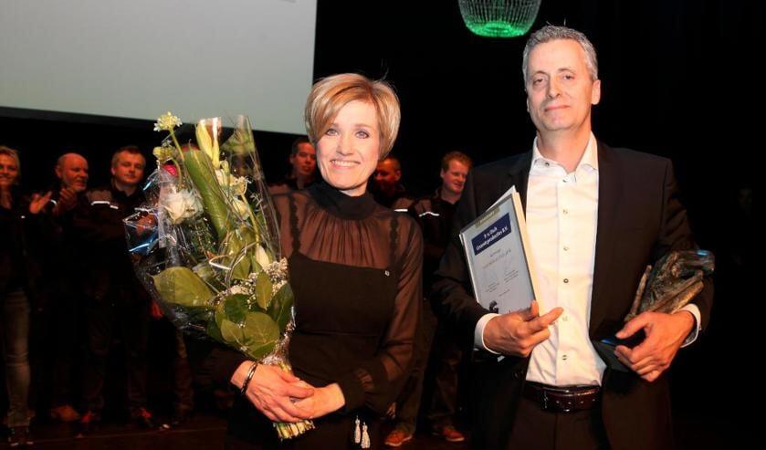 De trotse winnaars: Prisca en Peter van Osch. Foto: Marcel Hakvoort.