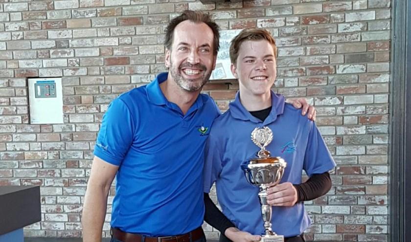 Noa Janssen is Limburg jeugdkampioen golf.