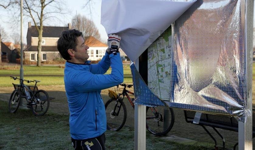Wethouder Lucien Peeters vlak voor het ongeval, bij de opening van de nieuwe mountainbikeroute. Foto: Rikus ten Brücke.