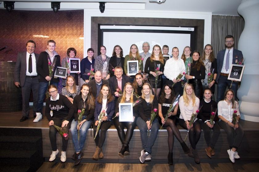 De winnaars van het sportgala samen op de foto. Foto: Rikus ten Brücke.