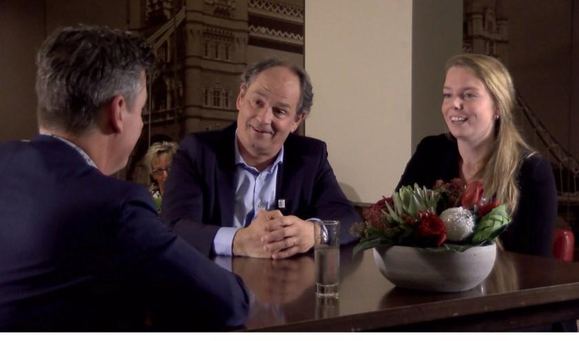 Rob van Lieshout (links) in gesprek met Joost van der Weiden en Sanne Mulder.