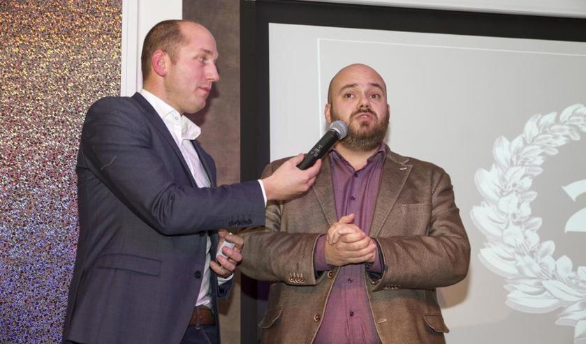 Danny Caelen (rechts) in gesprek met Paul Rutten tijdens het Peel en Maas TV Sportgala Venray. Foto: Rikus ten Brücke.