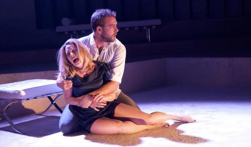 Het toneelstuk Indecent Proposal komt naar Schouwburg Venray. Foto: Joris van Bennekom.