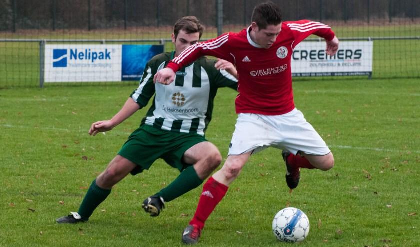 Oostrum won zondagmiddag tot vreugde van Ysselsteyn met 2-0 van DESO. Foto: Lotte Kamphuis.
