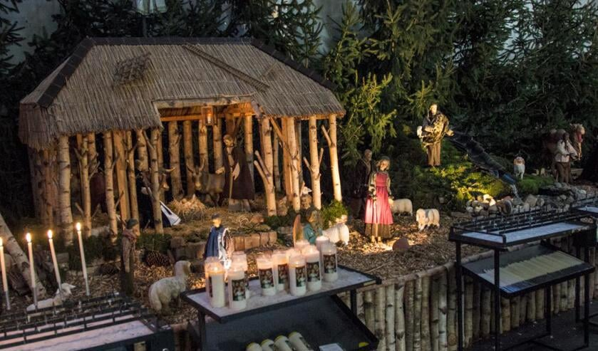 De kerststal in de Grote Kerk. Foto; Simone Swinkels.