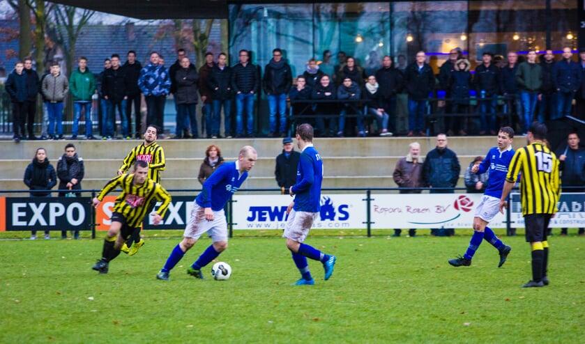 SV United verloor  op eigen veld de derby tegen BVV'27. Foto:  Simone Swinkels.