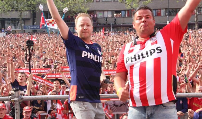De PSV-huiszangers Leon Aarts (rechts) en Izzy Meusen uit Venray. Foto: Bas Jongmans.
